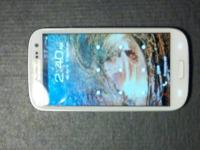 ITS A REALLY GOOD CONDITION SAMSUNG GALAXY S3 ITS A