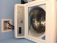 Samsung washer 5.3 cubic ft. Good condition. 4 years
