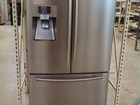 Samsung Stainless Refrigerator Water & Ice in the door