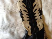 SANCHO brand name cowboy boot - unisex.  Size 9 for
