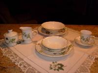 Sangostone Apple Blossom tableware set. Oven,