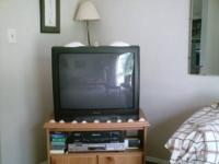 Sansui 27 inch TV, manual & remote. Audio/Video jacks.