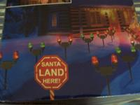 SANTA'S RUNWAY LIGHTS WITH LIGHTED SIGN; 32 HEADS OF