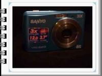 Blue Sanyo VPC S1213 Digital Camera 12 MPS 3x Zoom 2.7""