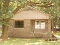 3/2 HUD had property. Terrific starter house. Excellent