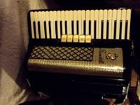 Scandalli Piano Accordion 41 Key 120 Button L385/22 17""