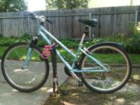 Used Schwinn commuter/hybrid bicycle for sale. Has some
