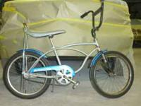 great hurricane Schwinn bike that is ready to ride!!!