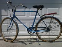 3 speed men's Schwinn Collegiate bike. Light weight,