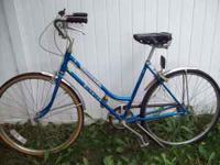 early 80's 3 speed. Chicago Schwinn. call  Location: