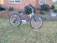 Schwinn Ladies Bike. Excellent condition.  Location: WR