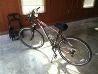 Almost new men's Schwinn bike, with a foot pump, great