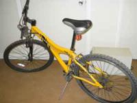 Men's yellow mountain bike. Good condition. Some damage