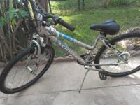 SELLING A NICE SCHWINN MOUNTAIN BIKE IN REALLY GOOD