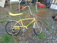 lemon color mint condittion sting ray 5 speed on handle