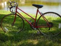 80's womans road bike Schwinn Super Sport. Dia compe