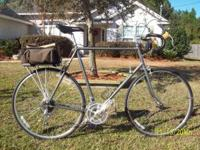 Schwinn Tour Luxe Touring Bike in good cosmetic and