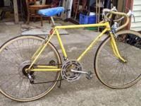 "vintage schwinn varsity, yellow, 21"" (for a tall"