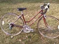 Schwinn Womens World Tourist 10 speed road bike. All