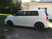white tinted windows black 19'' wheels upgraded radio