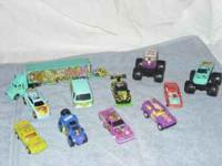 LIKE NEW! 'RARE' Scooby Doo Hot Wheel Cars! 8 Cars , 2