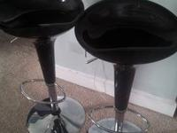 LIKE NEW Target Scoop Swivel Gas Lift Stools - Black