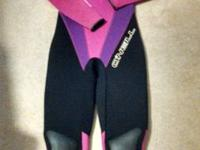 "One ladies wetsuit (she is 5'5"" tall and about 130 #)."