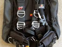 Dive Rite Transpac XT BCD. Like new (less than 10 hours