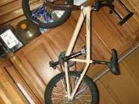 Se BMX bike. Needs brake work, other than that in good