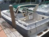 1987 34' SEA RAY SUNDANCER  Beautiful boat powered with