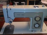 SEARS KENMORE SEWING MACHINE IN GREAT WORKING ORDER