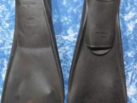 One pair of Seasport dive fins, size 11-12, open toe,
