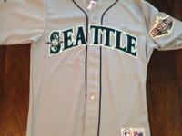 Seattle Mariners road jersey, size M. Minor wear around