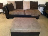 Like-new sectional sofa w/ chase. Can be taken apart