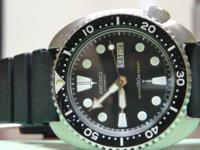 Up for sale is a Seiko Diver 6039. This scuba diver is