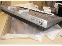 Yamaha Tyros 5 76 Key Arranger Workstation Keyboard