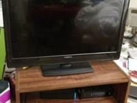 "32"" Led Insignia TV. Comes with original box &"