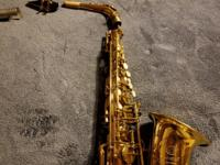 This is a early 1970s Alto in excellent condition. I