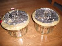 Set of 2 fresh light fixtures.Items are in outstanding