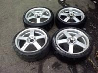 hi I am selling 4 aluminum rims. they are 4 lugs