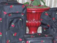 SET OF 5 MATCHING PIECES  LARGE AND MEDIUM WHEELED