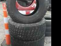 nice set of tires LT 315 70 17 KHUMMO VENTURA