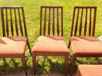 Nice set of 6 dinning space chairs. 4 routine chairs