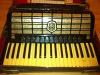I AM SELLING A SETTIMO SOPRANI ACCORDION THAT WAS