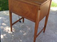 Solid wood sewing machine cabinet (with foot pedal) in