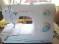 SINGER SIMPLE SEWING MACHINE USED ONLY FOUR OR FIVE
