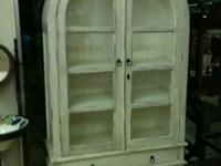 WHITE SHABBY SHEEK DOME CABINET WITH TWO SHELVES AND