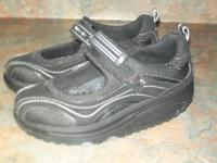 I have a pair of rockers (shape up ) size 7 1/2 shoe.