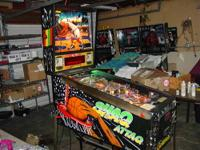 This is a great looking and playing Shaq Attaq pinball