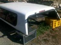 LOOKS NEW-EXCELLENT CONDITION-WHITE SNUG TOP SHELL